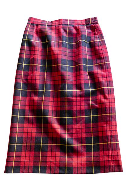 ヴィンテージの赤いチェック柄ペンシルスカート