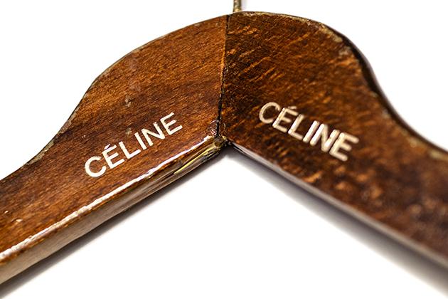 セリーヌの木製ハンガー