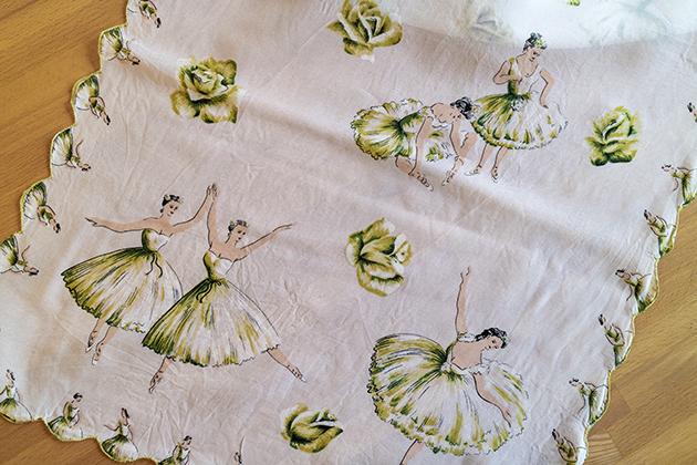 1980s日本製のバレリーナ柄スカーフ