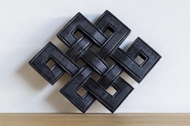 木彫りのエンドレスノット