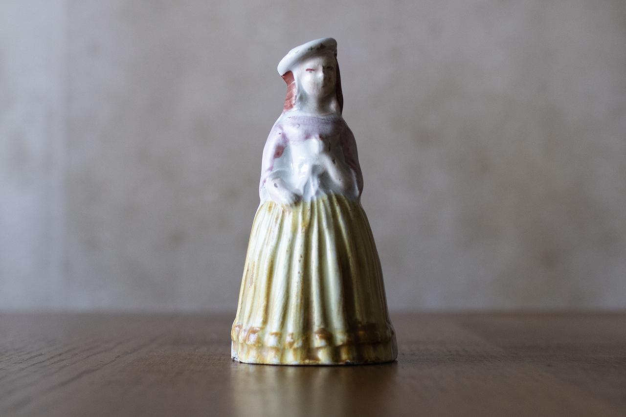 18世紀の磁器人形