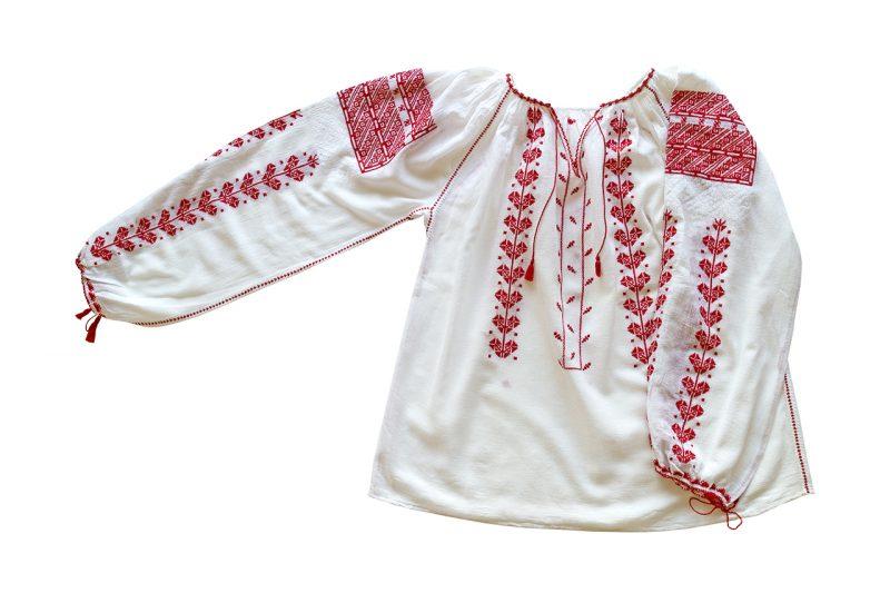 1970年代ハンガリー風刺繍ブラウス